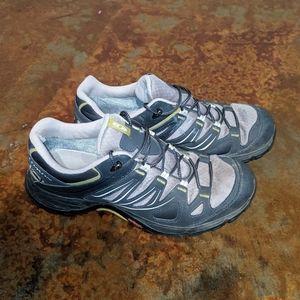 Salomon hiking shoes men's 9 women's 10.5